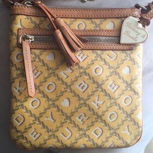 Dooney & Bourke cross over hand bag